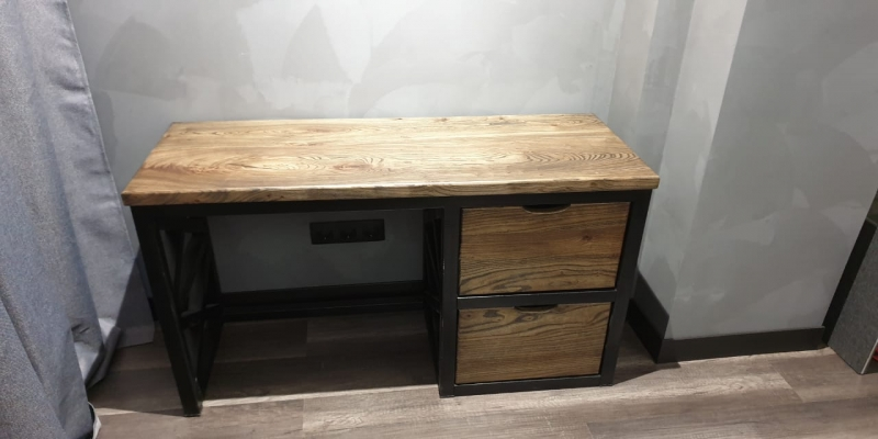 Офисный стол 1